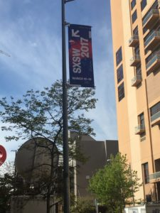 SXSWのぼり旗が目印